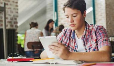 Mobile-App-Technology-in-Education-Industry