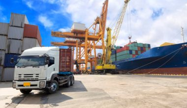 Artificial-Intelligence-Revolutionizing-Logistics,-and-Supply-Chain
